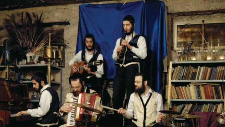 "Burstein's Jerusalem Klezmer band and traditional ""Hassidic Tish"""