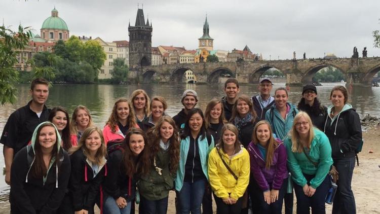 Historické křižovatky 20. století: beseda se studenty Central European Travel Seminar z University of Wisconsin – Eau Claire