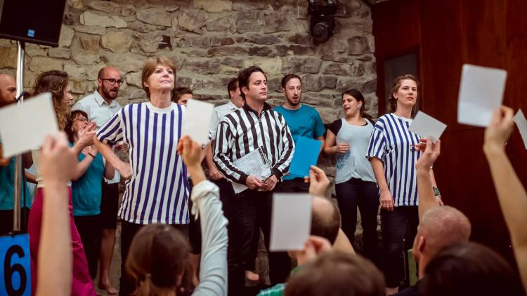 HYB4 DIVADLO: KIŠ vs. VIP – zápas v divadelní improvizaci